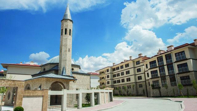 TOKİ, Gaziantepte inşa ettiği konutlardan 20 bin 813ünü hak sahiplerine teslim etti