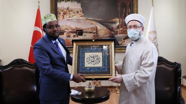 Diyanet İşleri Başkanı Erbaş, Somali Din ve Evkaf Bakanı ile görüştü