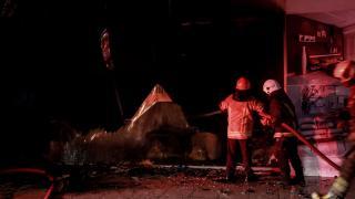 Bursa'da 2 katlı mobilya dükkanında yangın