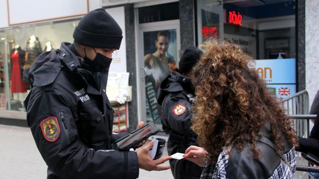 Kastamonuda ev ziyaretinde bulunan 10 kişiye 12 bin lira para cezası