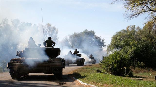 Donbasta ateşkes ihlali: 1 Ukrayna askeri öldü