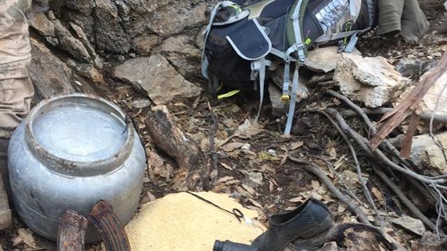 Tuncelide teröristlerin kullandığı mağara imha edildi