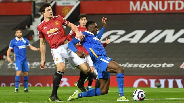 Manchester United geriden gelip kazandı