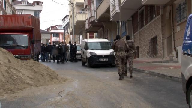Arnavutköyde 50 kişinin karıştığı kavgada 2 kişi gözaltına alındı