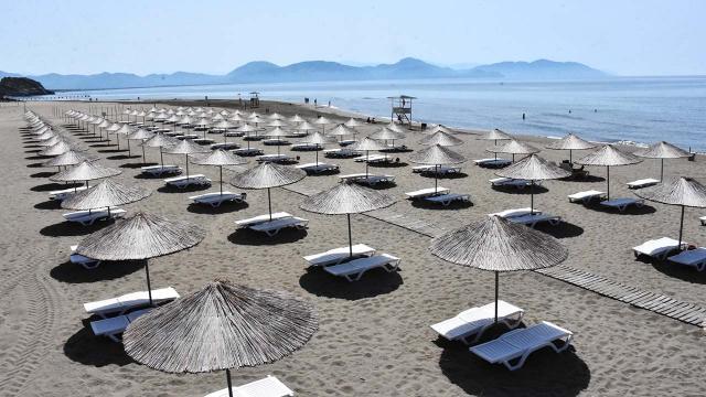Güney Egenin mavi bayraklı plajları tatilcileri bekliyor