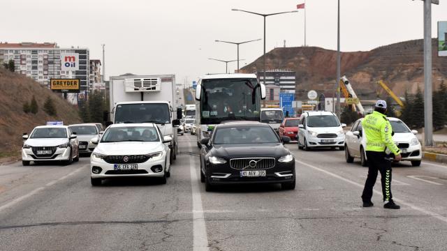 Kırıkkalede trafikte yoğunluk oluştu