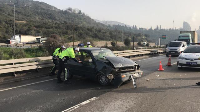 Kocaelide zincirleme trafik kazası: 6 yaralı