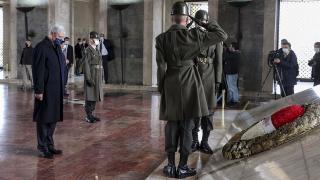 Volkan Bozkır Anıtkabir'i ziyaret etti