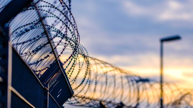 Nijeryada cezaevine saldırı: Çok sayıda mahkum firar etti