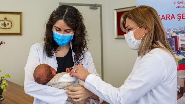 Türkiyenin doğuştan antikorlu ilk bebeği
