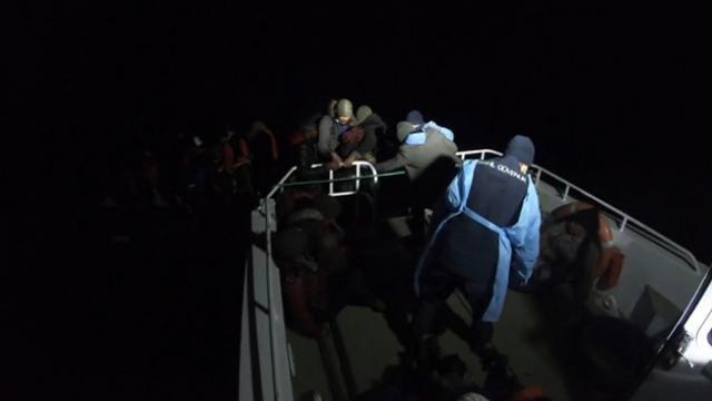 Yunanistanın ölüme terk ettiği 68 sığınmacı kurtarıldı
