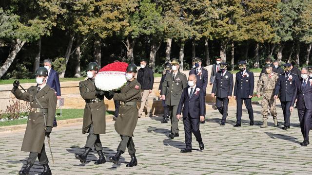 Emniyet Genel Müdürü Mehmet Aktaş ve beraberindekiler Anıtkabiri ziyaret etti