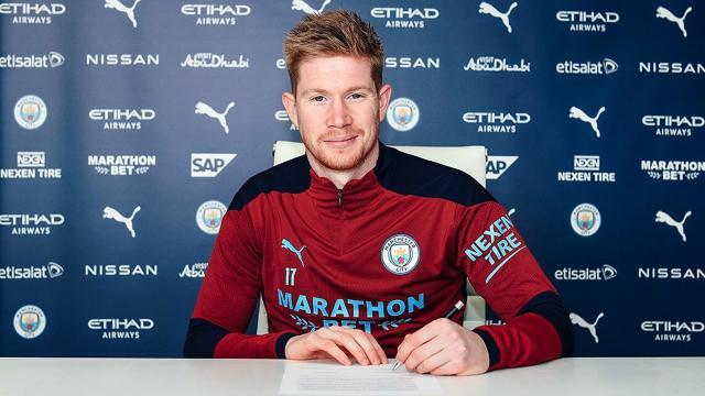 Manchester City, De Bruyneün sözleşmesini yenilendi
