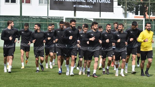 Tek namağlup takımı Manisa FK TFF 1. Ligine çok yakın