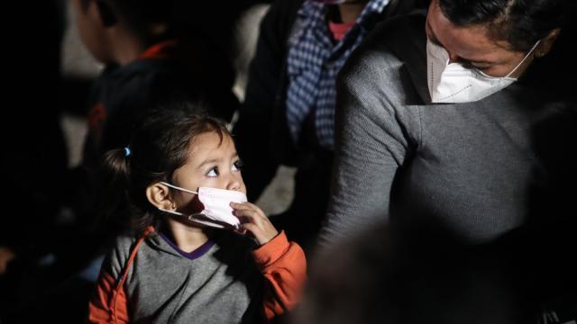 ABD-Meksika sınırına çocuklar için barınak kurulacak