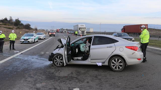 Anadolu Otoyolunda kaza: 3 yaralı