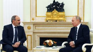 """Paşinyan-Putin görüşmesinde gündem """"Karabağ"""""""