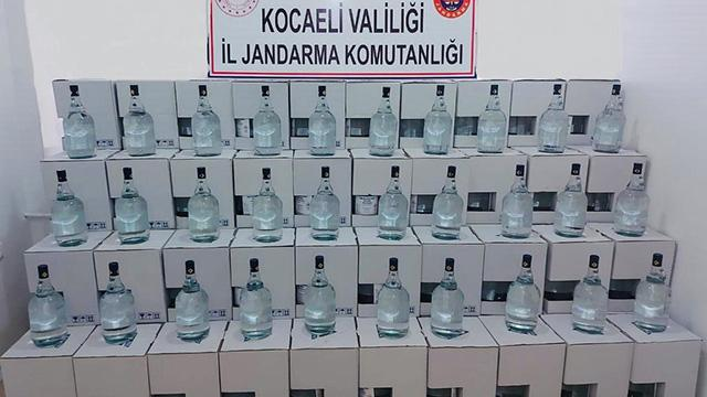 Kocaelide 2 bin 500 litre kaçak alkol ele geçirildi