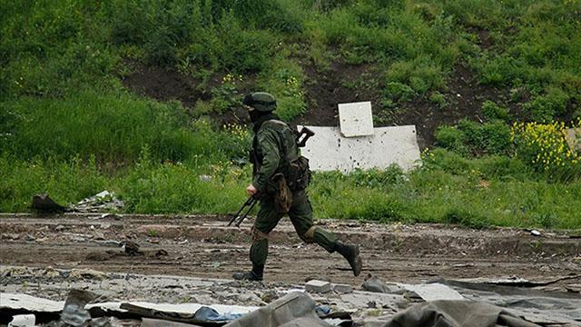 Donbasta hareketlilik: 1 Ukrayna askeri hayatını kaybetti