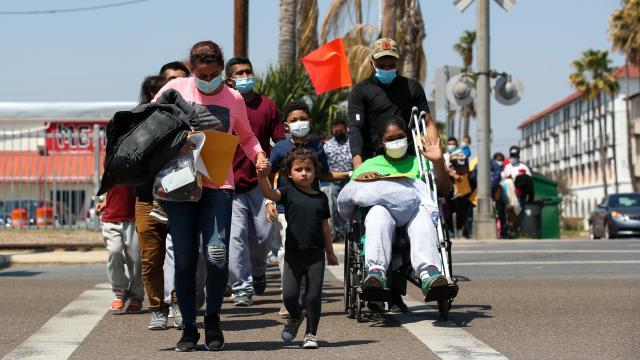 Tapachula şehri binlerce göçmen için  açık hapishane oldu