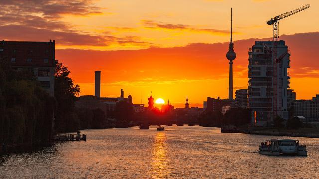 Alman ekonomisi yılın ilk çeyreğinde küçüldü