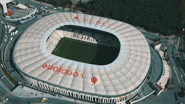 Beşiktaş Vodafone Parkın iskan belgesini aldı