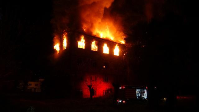 İzmirde tarihi binada yangın