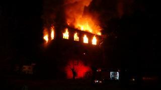 İzmir'de tarihi binada yangın