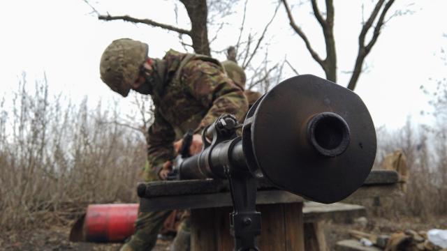 Donbasta bir Ukrayna askeri daha öldü