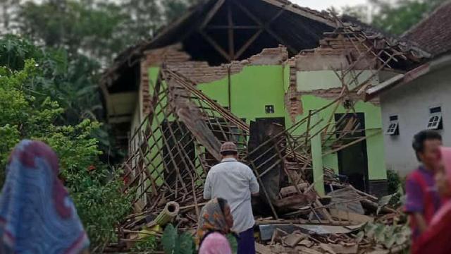 Endonezyada deprem: 6 ölü