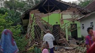 Endonezya'da deprem: 6 ölü