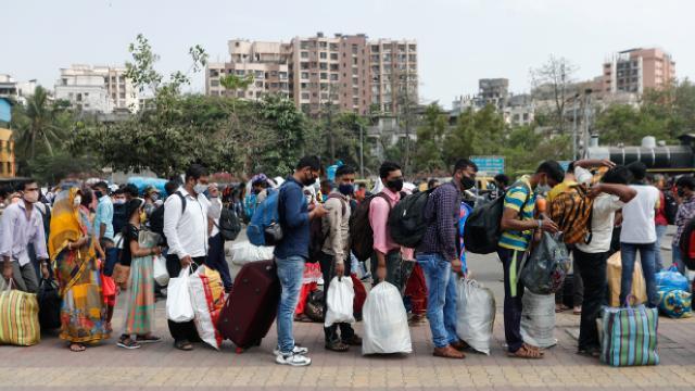 Hindistanda bir günde 152 bin 879 yeni vaka