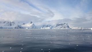 Bilim insanları uyardı: Antarktika'daki buz sahanlığı çökebilir