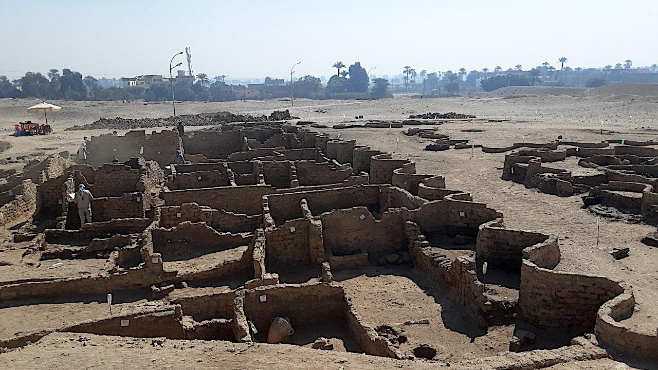 Mısır'da 3 bin yıllık 'kayıp şehir' keşfedildi