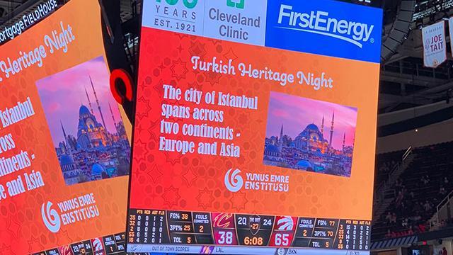 NBA maçında Türk gecesi
