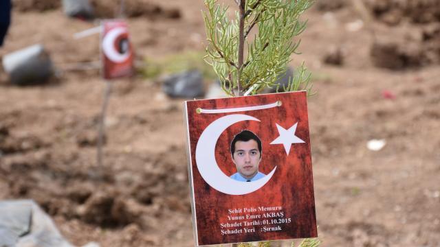 Türk Polis Teşkilatının 176. kuruluş yılı dolayısıyla şehitler için Şırnakta 176 fidan dikildi