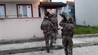 3 ilde silahlı suç örgütüne operasyon: 16 gözaltı