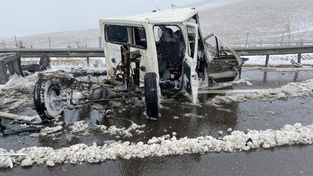 Niğde-Adana Otoyolunda zincirleme kaza: 5 yaralı