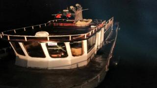 Van Gölü'nde bir teknede 20 düzensiz göçmen yakalandı