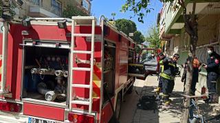 Aydın'da yangın: 8 kişi dumandan etkilendi