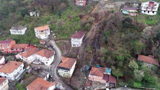 Zonguldak'ta heyelan anı kamerada