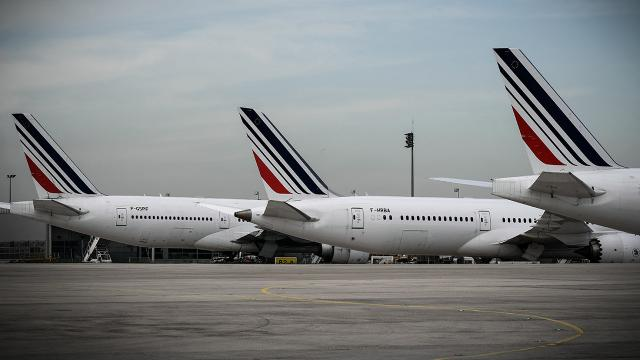 Fransa, Brezilya uçuşlarını askıya aldı