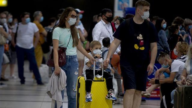 Antalyaya hava yoluyla günlük 70 bin turist giriş yapıyor