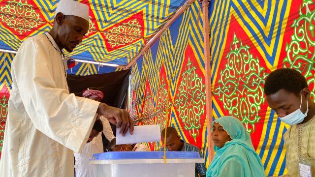 Çadda halk sandık başında: Yeni cumhurbaşkanı belirlenecek