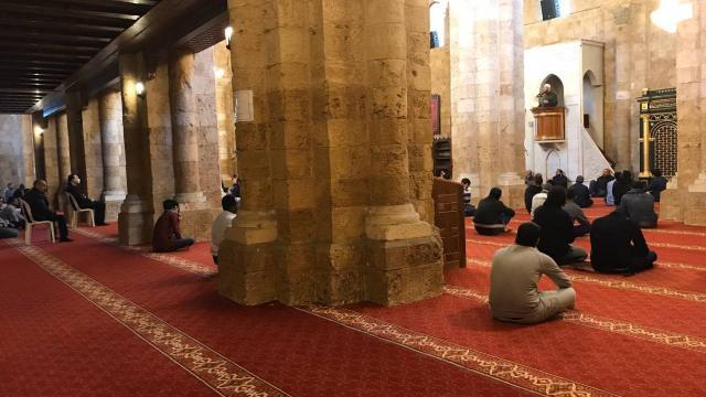 Lübnan ve Libyada camilerde teravih namazı kılınabilecek