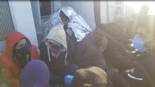 Türk kara sularına itilen 117 düzensiz göçmen kurtarıldı