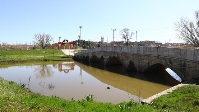 """Edirnede geçen hafta """"sarı alarm"""" verilen Tunca Nehrinin debisi düşüşe geçti"""