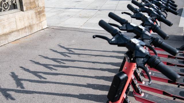Elektrikli scooterlarla ilgili düzenleme yürürlüğe girdi