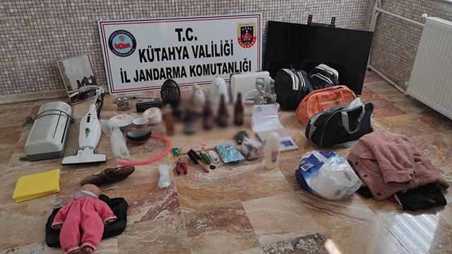 Uyuşturucu ve hırsızlık şüphelileri kaza yapınca yakalandı
