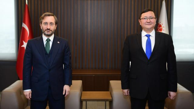 Cumhurbaşkanlığı İletişim Başkanı Fahrettin Altun, Kırgız Bakan İmanaliyev ile görüştü
